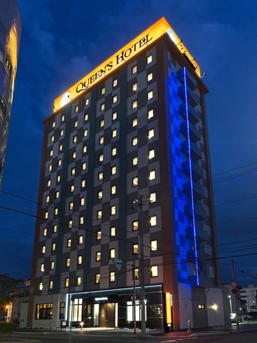 ホテル外観◆正面・夜◆