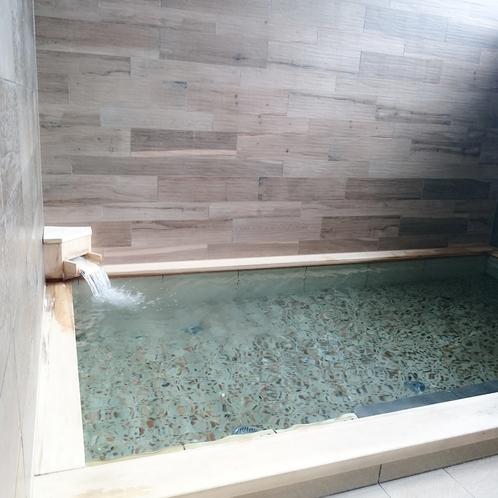 女性大浴場 浴槽