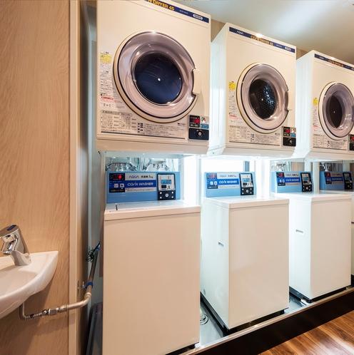 2階 ランドリールーム <洗濯機・乾燥機・電子レンジ>