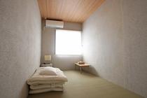 個室スモールルーム(お風呂・トイレ共有)①