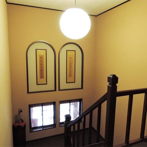 *館内の様子/大正ロマンの雰囲気も感じられる、どこかなつかしい建物。
