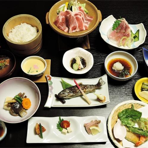 *夕食一例/棚田でとれた魚沼米、山菜・きのこ、ブランド肉…松之山の豊かな食材がたくさん。