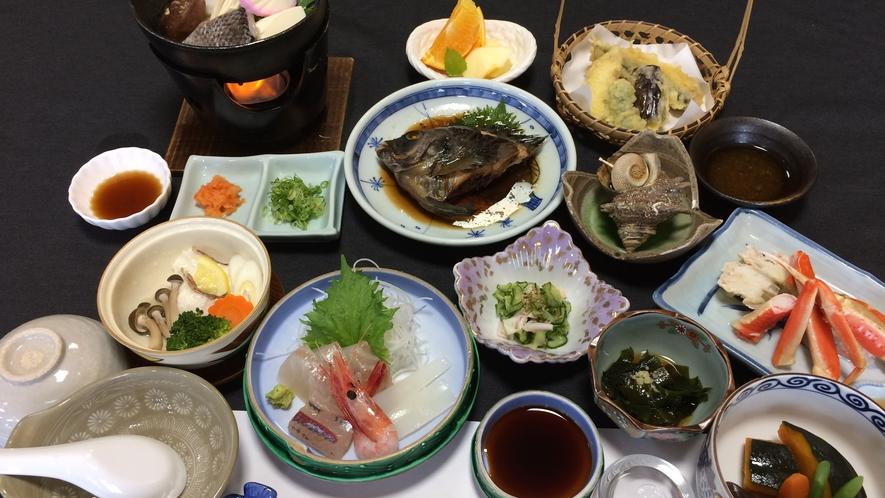 *【会席(一例)】地元の食材を使った獲れたて鮮魚やお野菜を使用します!