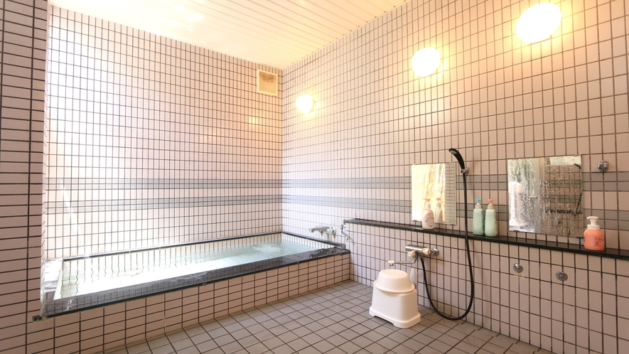 お風呂で旅の疲れを癒してください