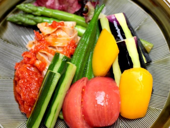 葛打ち仕立ての夏野菜サラダ