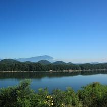 岩手山・七つ森・御所湖を望む