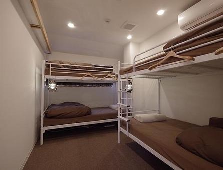 4人部屋(二段ベッドx2)個室