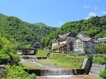 【ホテル周辺】黒岳の山頂につながるロープウェイが見渡せます。