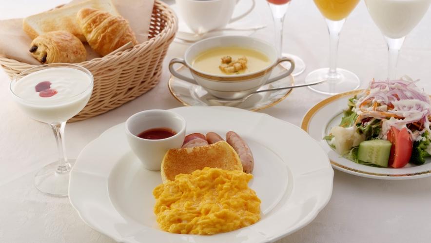 洋朝食 クランブルエッグの一例