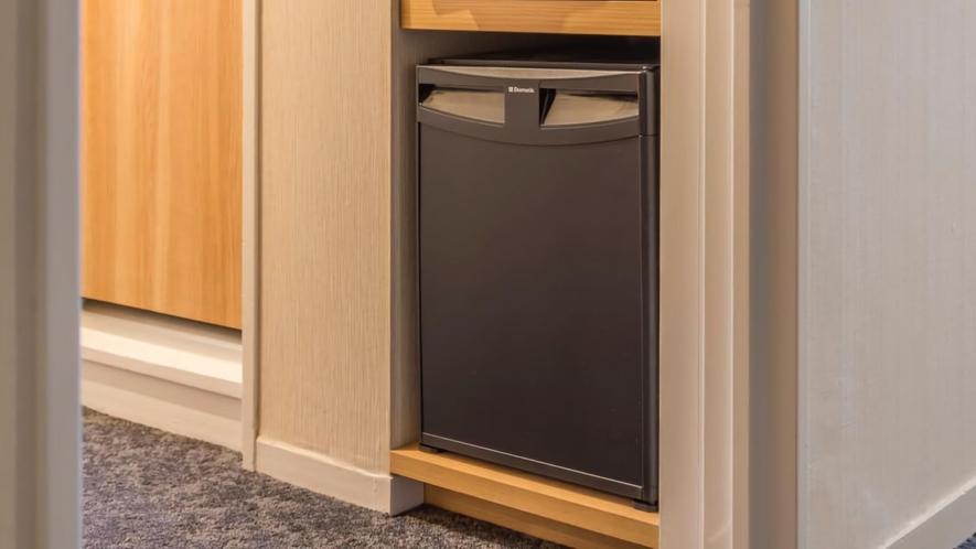 客室:冷蔵庫