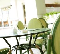 【カテリーナ】テラスでゆったりカフェタイムを