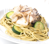 【活あわびのスパゲッティ】※コース「マーレ」で食べられます!