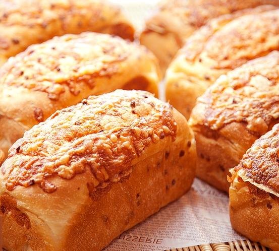 【カテリーナ】レストランでも人気のチーズパン