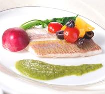 【本日の近海産魚料理】※コース「マーレ」で食べられます!