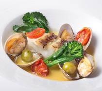 【本日の魚のアクアパッツァ】※特別コース「スペチャーレ」で食べられます!