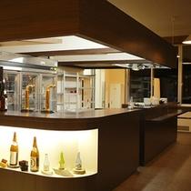 ドリンクカウンターには秋田の地酒もございます