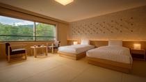 【リニューアル和室ツインルーム】秋田杉を使用した、畳とベッドのお部屋にリニューアル。
