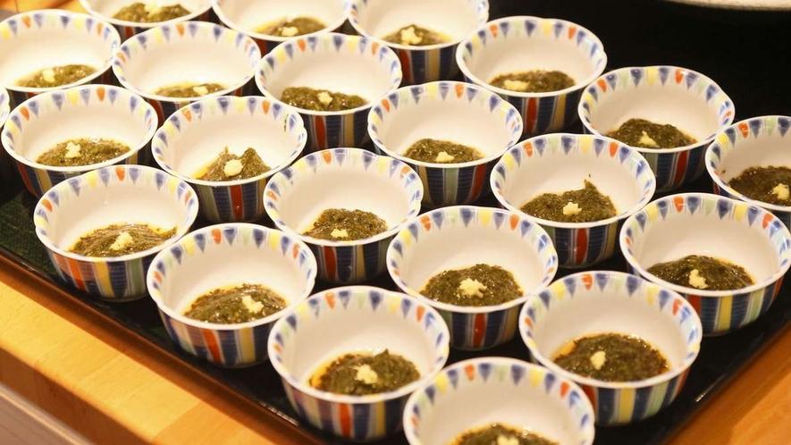 【夕食バイキング一例】日替り秋田の珍味「ぎばさ」海藻の一種で夏の期間のみ提供しております!