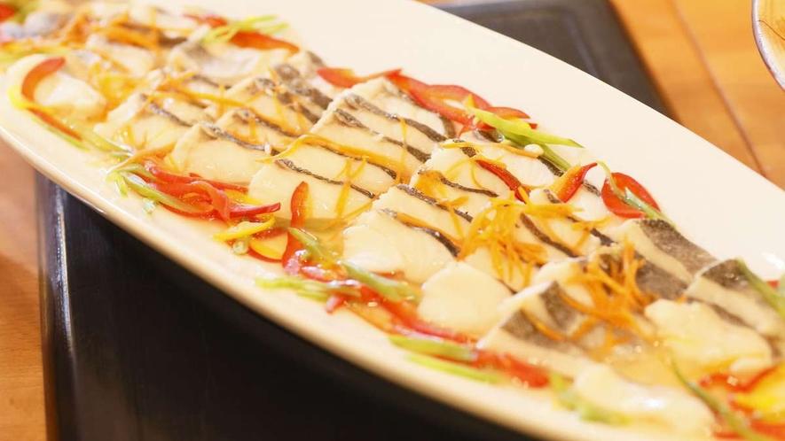 【夕食バイキング一例】日替り「白身魚の野菜あんかけ」
