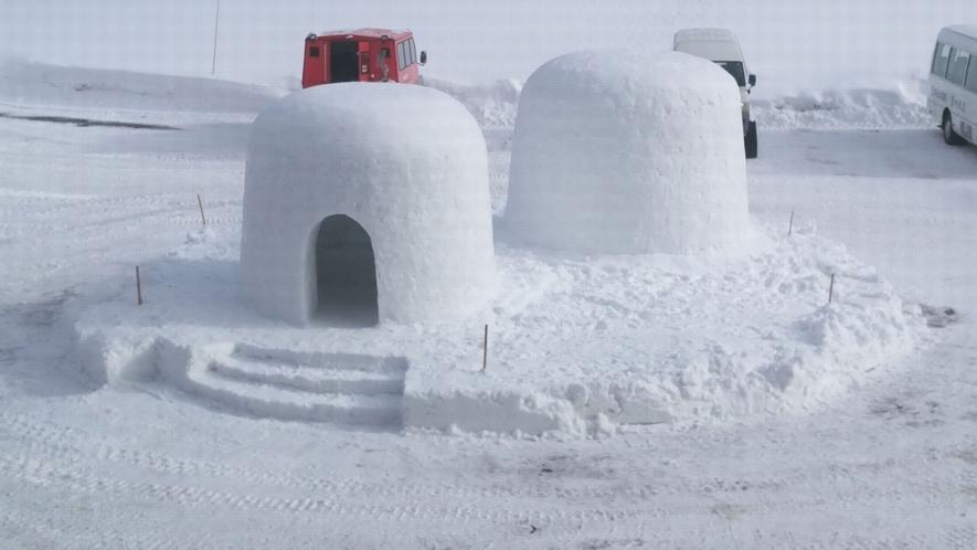 【かまくら】秋田の冬といえば「かまくら」記念撮影に最適です。