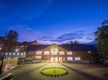 【外観】夏の夜、新玉川温泉