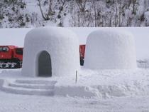 【その他】秋田の冬といえば「かまくら」記念撮影に最適です。