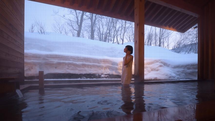 【露天風呂】雪見風呂が楽しめます。