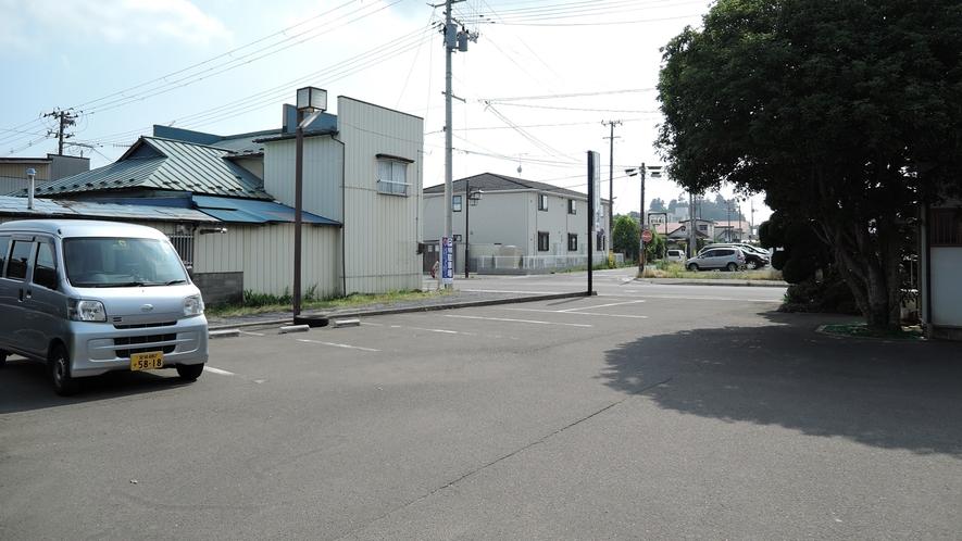 *【施設/駐車場】お車でお越しの方は、こちらに駐車下さい。