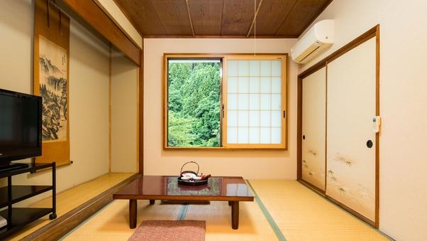 禁煙★山側・和室6畳★バストイレ共同