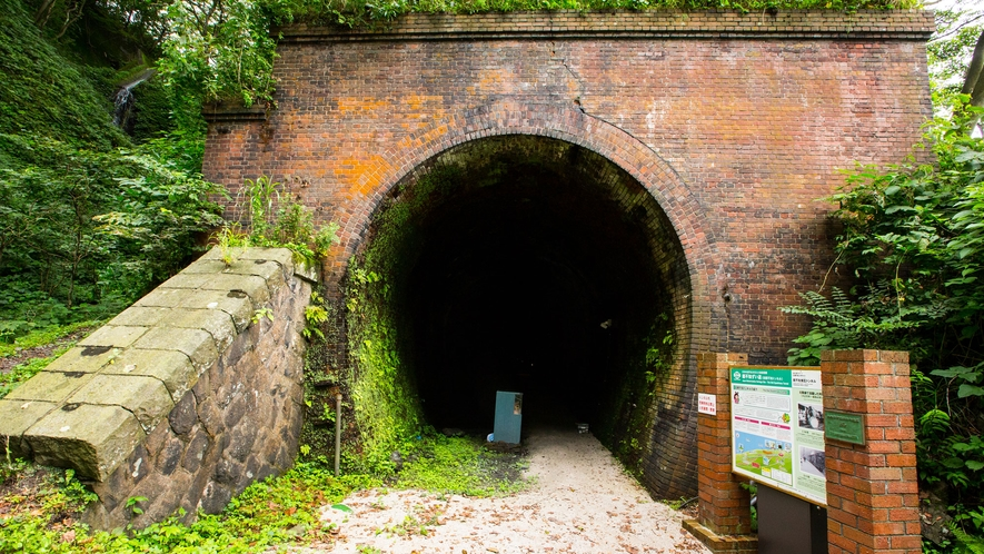 親不知レンガトンネル(全長は約670m)