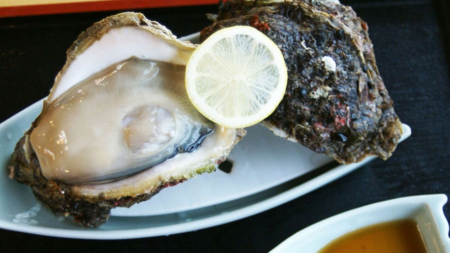 ぷりっぷりの岩牡蠣もおいしいですよ~♪