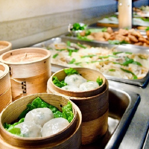 【夕食】地元食材にこだわった瀬戸内バイキング ※料理一例(日曜・祝日定休)