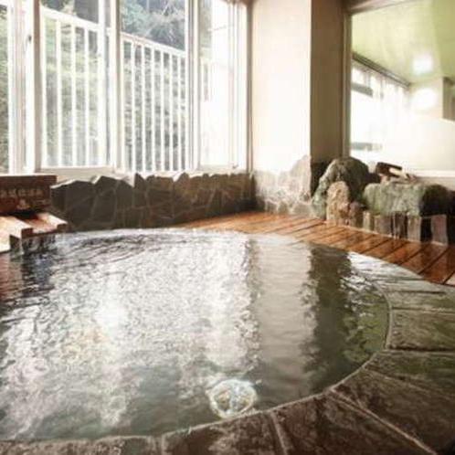 【奥道後温泉・男湯】疲労回復効果もある天然温泉を岩風呂で満喫!