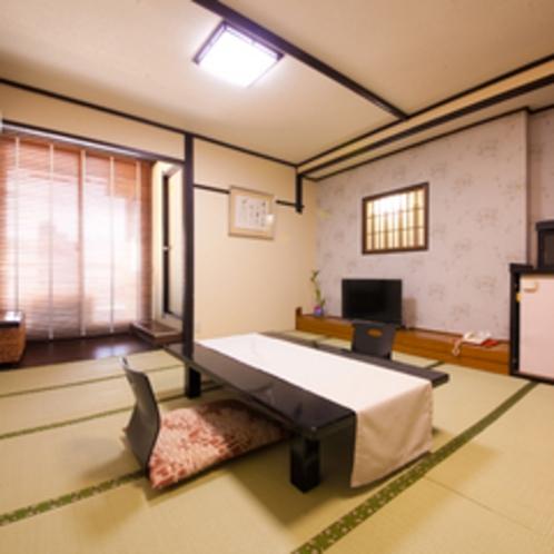 和室8畳〜12畳の内風呂付き