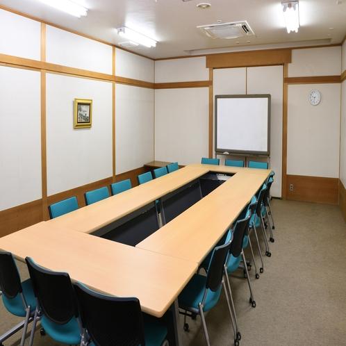 中会議室2           パーティールームとしてもご利用いただけます。 飲食持ち込み可