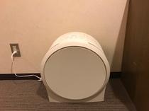 加湿機能付き空気清浄機(セミダブルルーム)