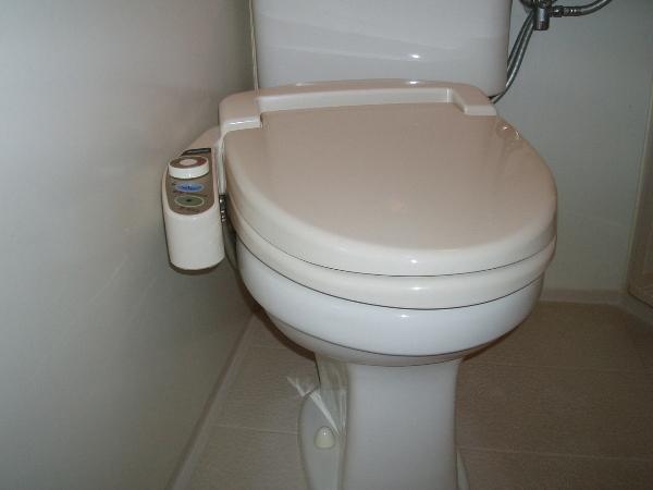 シャワートイレ2