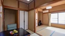 *和室7.5畳一例/当館スタンダードタイプの和室。机があるので勉強やビジネス利用に最適。