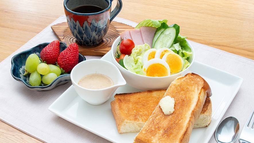 *nikoモーニングセット(一例)オリジナルコーヒーはお代わり自由です。