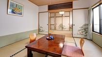 *和室14畳一例/昭和初期の欄間が美しい、当館で一番広いお部屋です。