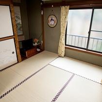 *和室7.5畳一例/中庭に面したお部屋もございます(要問合せ)