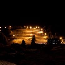 【冬】当館と丸山スキー場