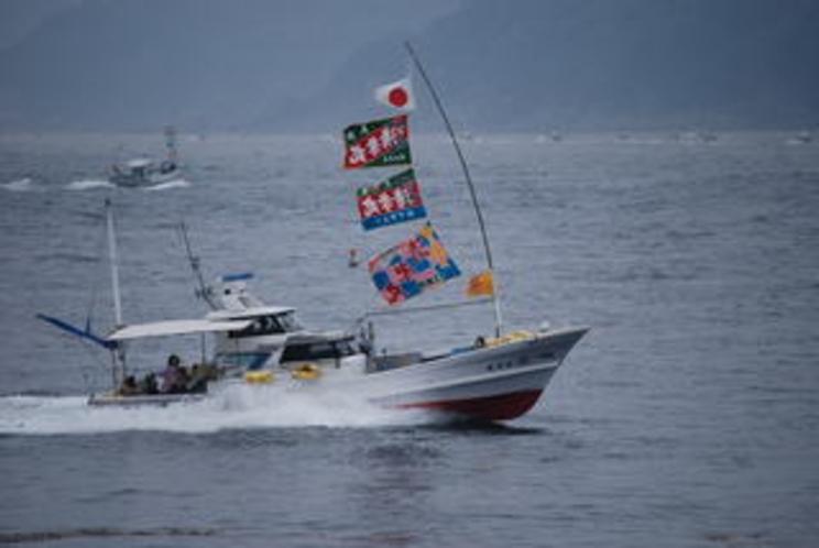漁船パレード1