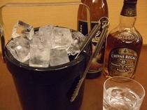 お飲物用の氷は1階の製氷機をご利用ください♪
