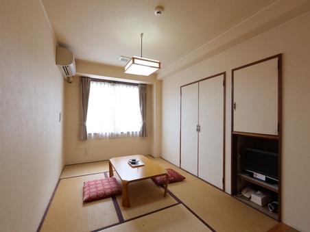 【喫煙】和室三人部屋(バス・トイレ共用)