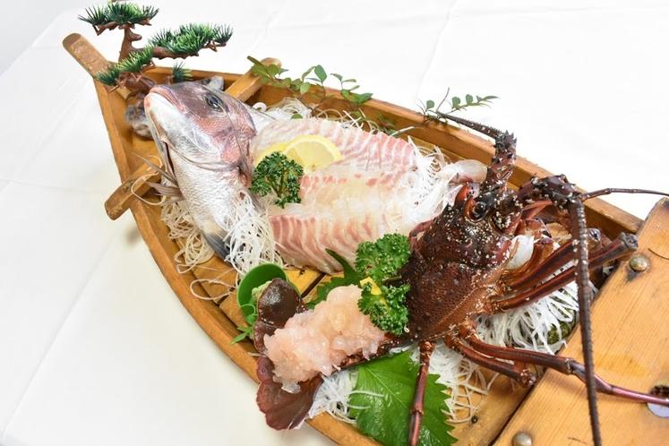 伊勢海老と鯛の舟盛り