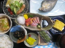 朝食プランの一例。ボリュームたっぷり朝ご飯です。ご飯のおかわり自由になります!!