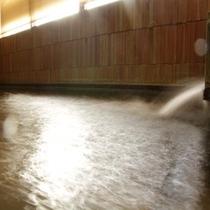 天然温泉大浴場♪足湯もあります
