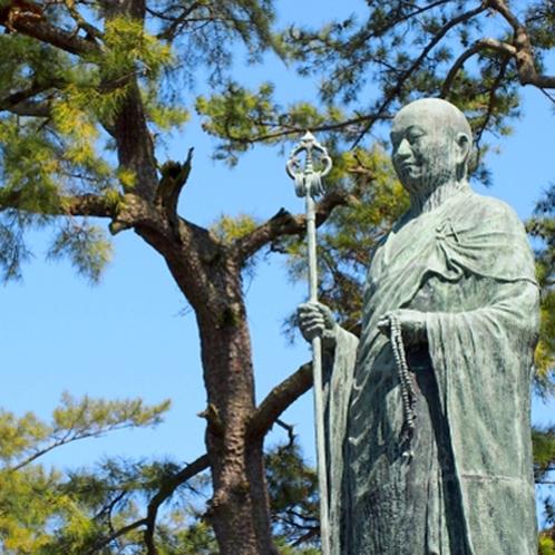 善通寺の弘法大師像