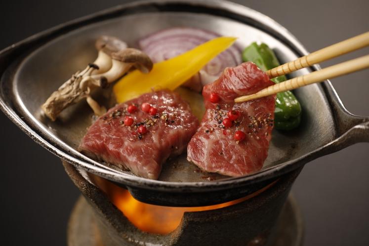 神戸牛は半焼きが旨い♪表面だけ焼き目を付けて召し上げれ♪